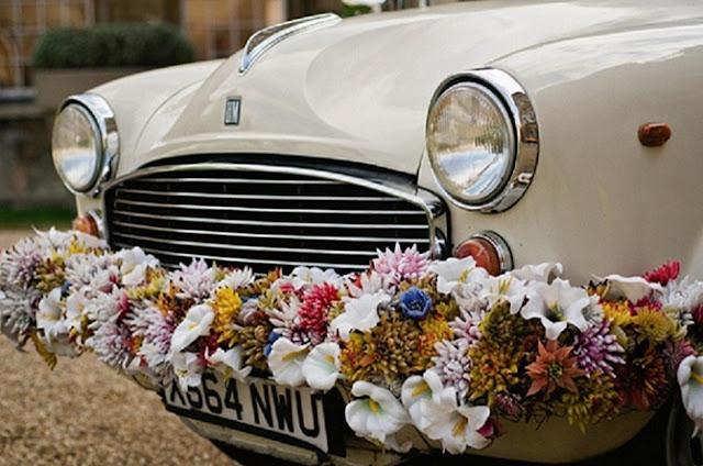 dicas-de-como-decorar-o-carro-dos-noivos-para-a-saida-da-cerimonia-de-casamento-3