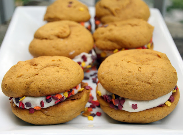 pumpkin whoopie pies with buttercream frosting