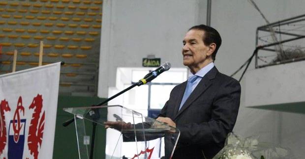 Médium Divaldo Franco reúne milhares de pessoas em Santos