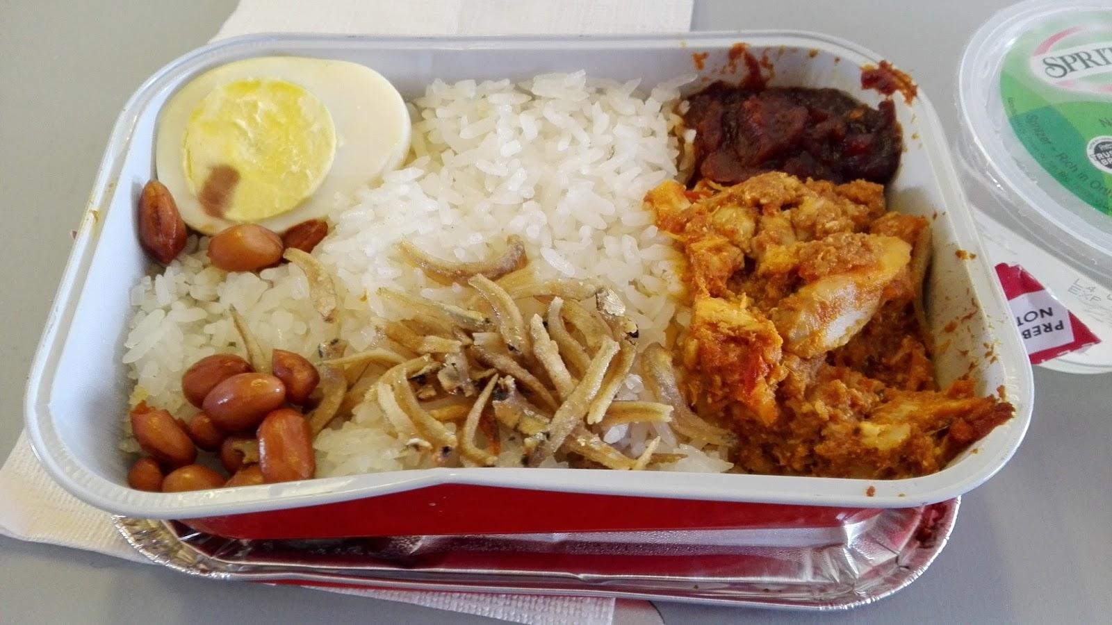 airasia-flighmeal-nasilemak エアアジアの機内食2
