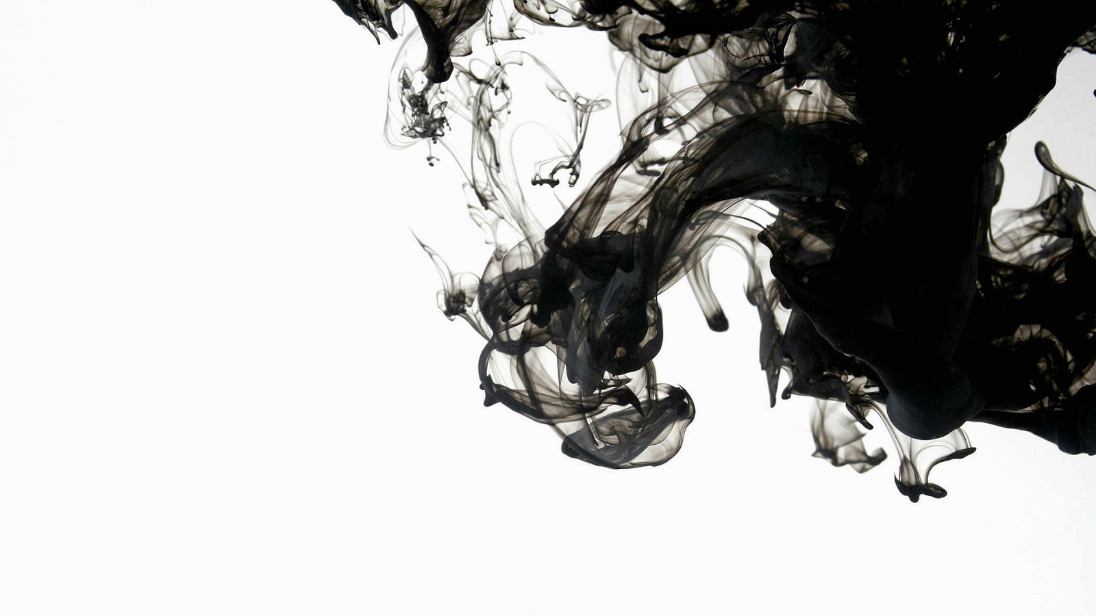 HD Wallpapers Desktop: Black Smoke background Wallpapers