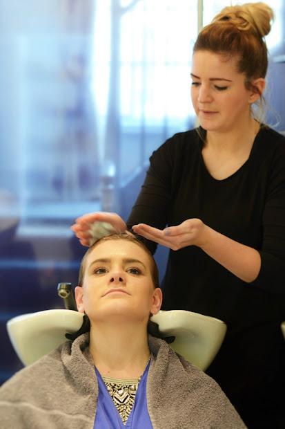 bath hair salon - frontlinestyle