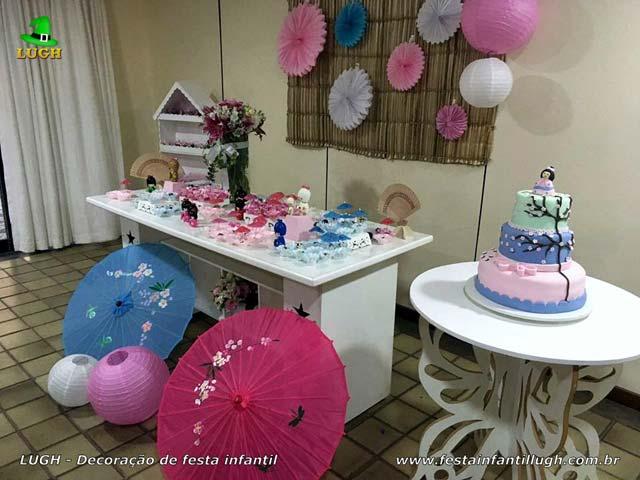 Decoração de mesa provençal básica tema Boneca Japonesa para festa feminina de Chá de Bebê ou aniversário de 1 ano