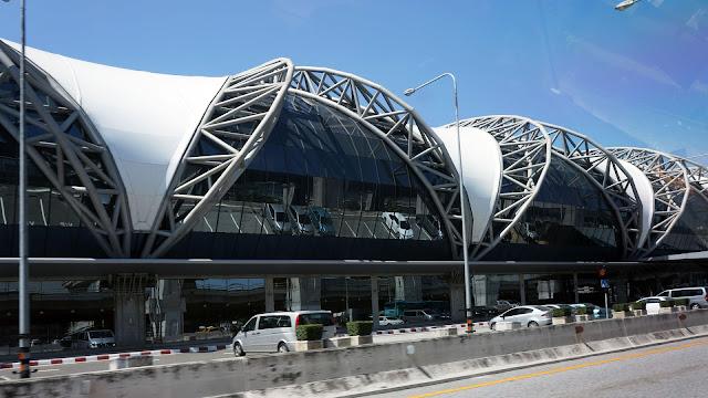 Изображение здания аэропорта Суварнабхуми, Бангкок