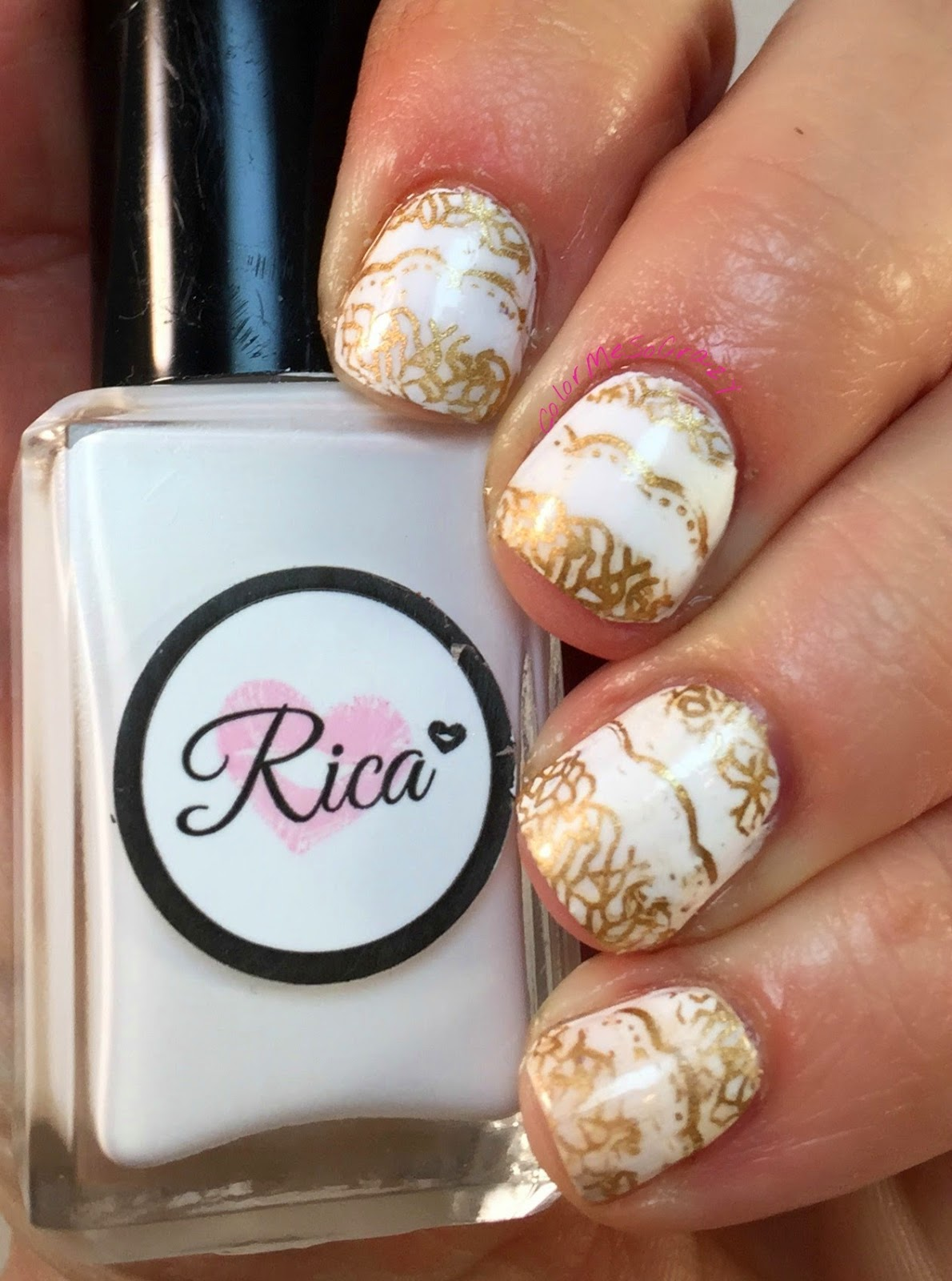lace-stamping, rica, maybelline, inspired-by-fashion-nails, the-dress-nails, gold-and- white- dress- nails