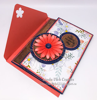 Linda Vich Creates: Tri-fold Daisy for Mother's Day With 2017 Catalog Sneak Peeks. Delightful daisies and Wood Textures team up to produce this distinctly feminine tri-fold Mother's Day card.