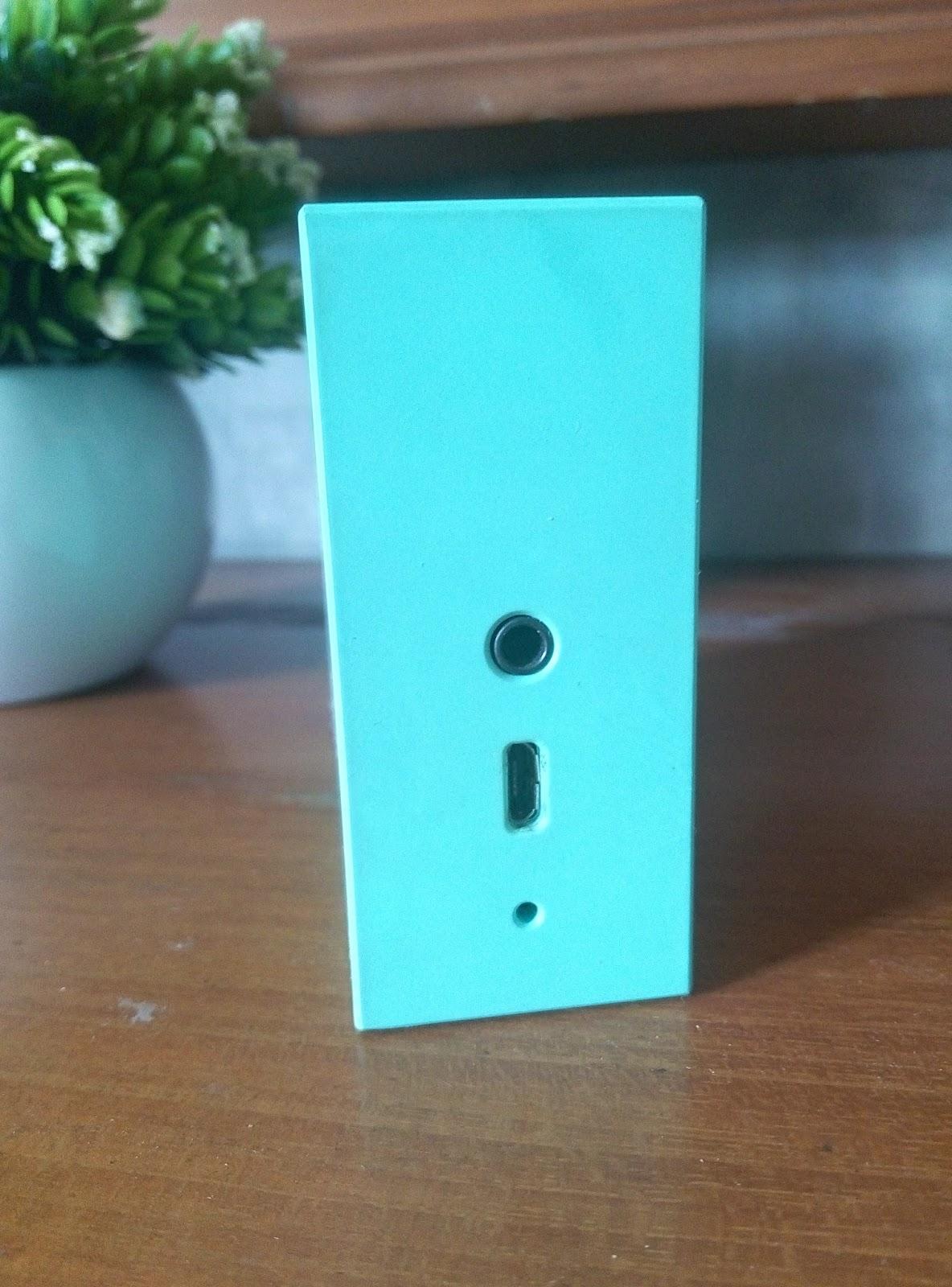Jbl Go Speaker Kecil Menggelegar Nokia Xl Oranye Bagian Atas Terdapat Tombol Power Bluetooth Volume Dan Telepon Samping Ada Lubang Jack Micro Usb Termasuk Kabel Mic Untuk Menelpon