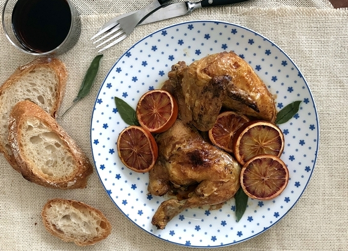 Picantones con naranja sanguina y salvia