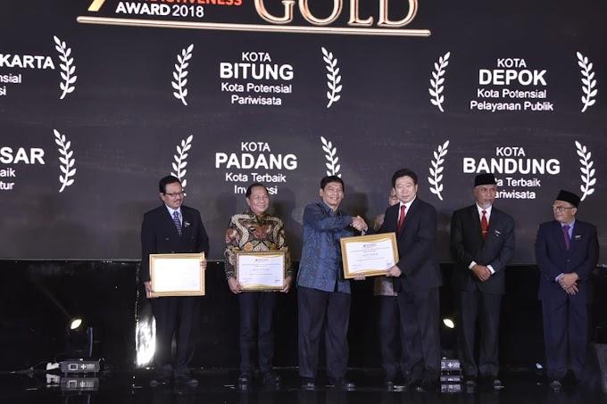 Kota Depok Raih Penghargaan Gold Kategori Pelayanan Terbaik
