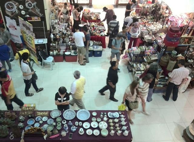 Amcorp Mall, Barang Antik, Flea Market