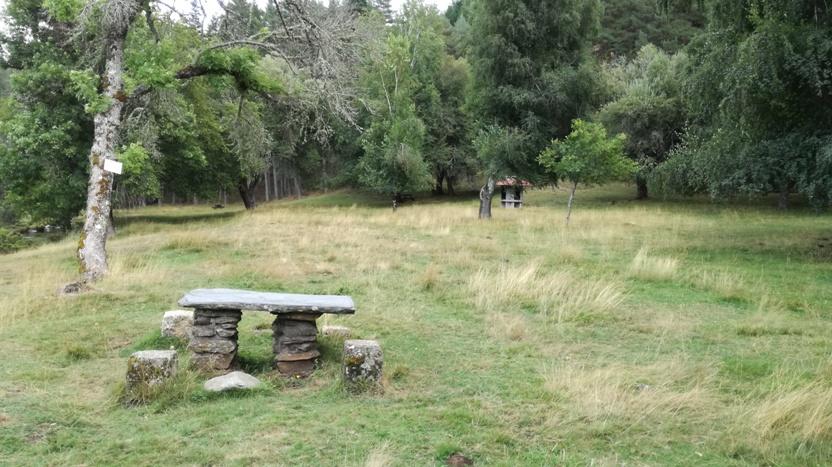 Mesas de pedra de Merendas