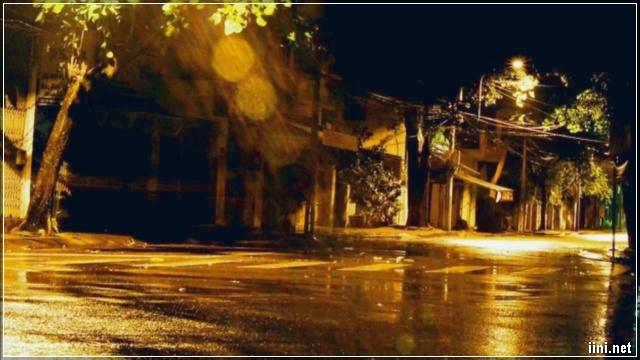 đêm mưa buồn nhớ người yêu xa