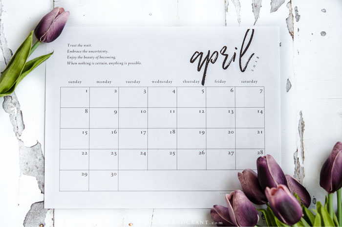 Stay organized + inspired in 2018 with these free printables - an inspirational quote, 2018 free printable calendar, + monthly to do list. #freeprintablecalendar #organization | www.andersonandgrant.com