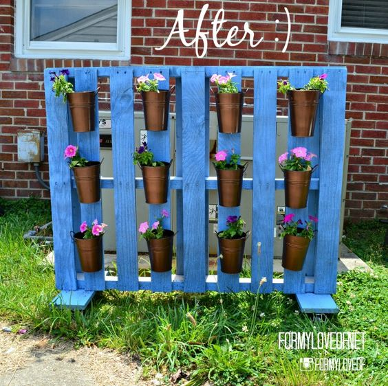 Pallet Planter Privacy Screen On Wheels DIY Tutorial - Created By TheBohoAbode