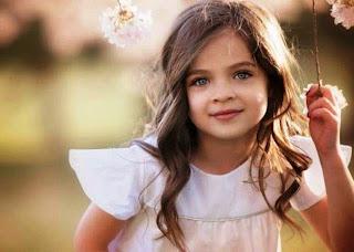 Gambar bocah cilik cantik berambut panjang