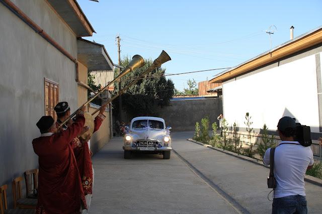 Ouzbékistan, Samarcande, automobile soviétique, Zim, mariage, © L. Gigout, 2010
