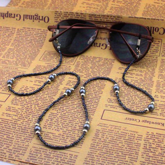 O legal é que podemos fazer a nossa própria Cordinha para Óculos, que tal a  inspiração da foto acima  0eb70a007b