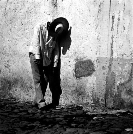 SURREALISMO A LA MEXICANA: CONOCE LA EXQUISITA FOTOGRAFÍA DE LÁZARO BLANCO