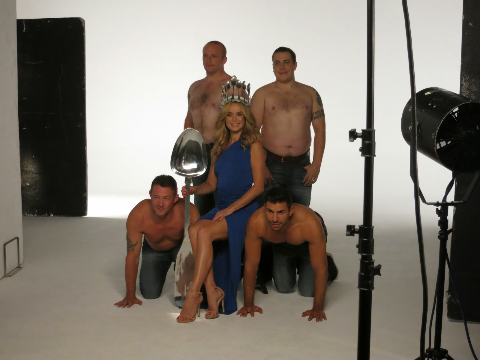 Oykos Hunks - Behind The Scenes - Raining Cake