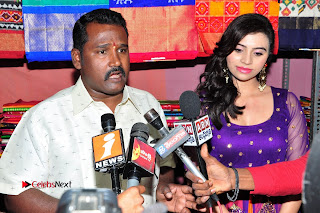 Priyanka Ramana Inaugurates Pochampally IKAT Art Mela  0016.jpg