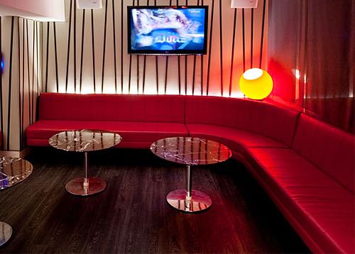 Ghế karaoke màu đỏ