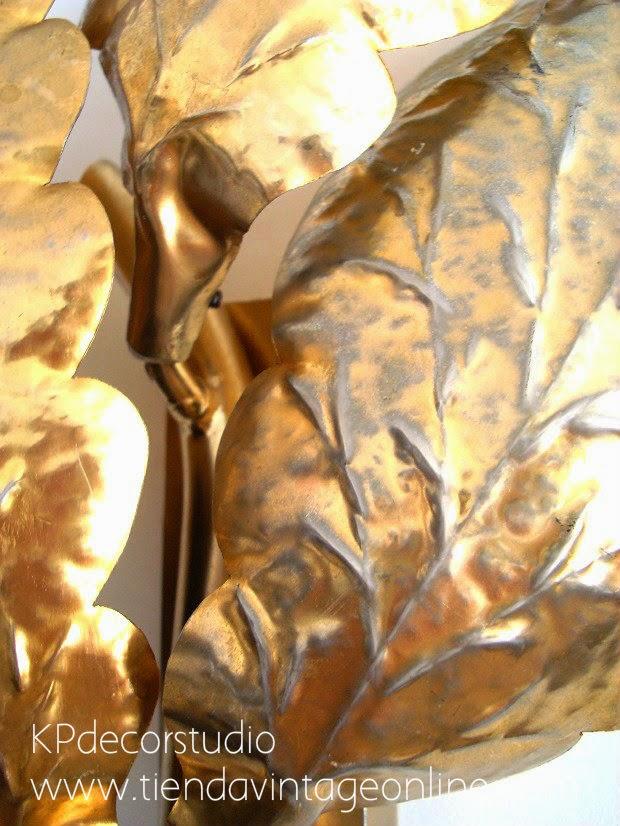 Lámparas aplique pared con formas orgánicas y hojas doradas