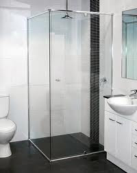 Como limpiar la mampara o divisi n de ducha consejos de - Duchas con mamparas de cristal ...