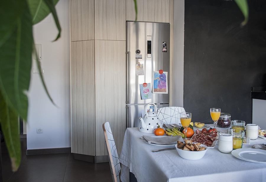 DIY Nuestro mueble de cocina tuneado con vinilo | Decorar en familia ...