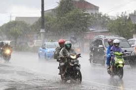 Inilah Tips Aman Berkendara Saat Hujan Untuk Keselamatan Anda