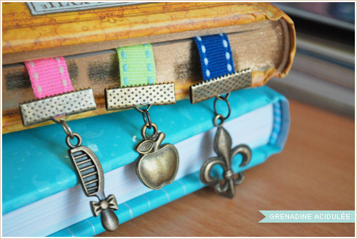 diy des marque page rubans avec des breloques louise grenadine blog lifestyle lyon. Black Bedroom Furniture Sets. Home Design Ideas