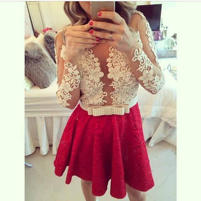 Lace Long-Sleeves Sheer Beaded Short Homecoming Dresses
