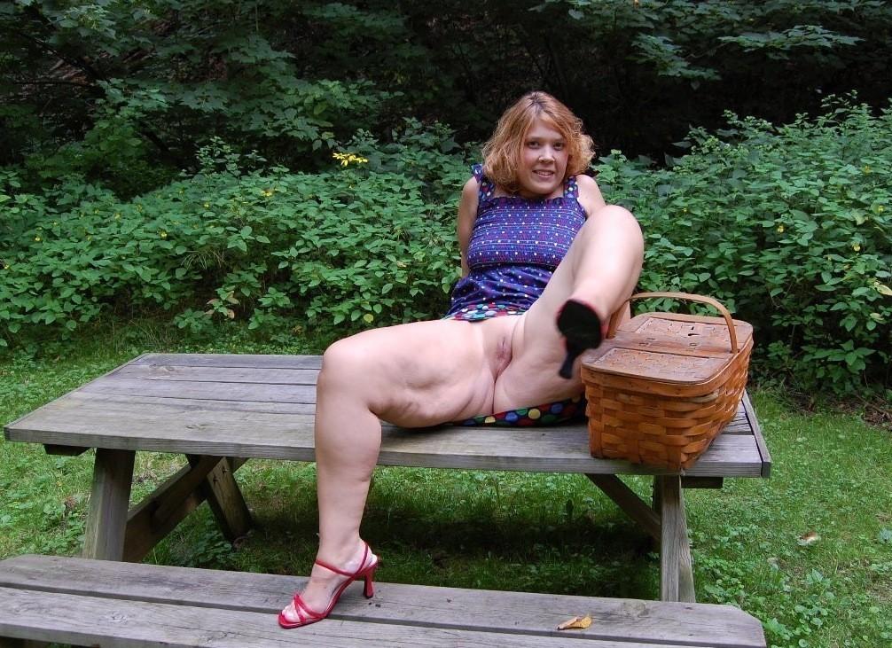 что меня жирная русская девка на улице вот