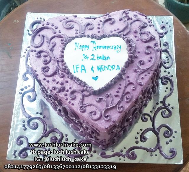 Kue Tart Buttercream Bentuk Love Hati Untuk Istri