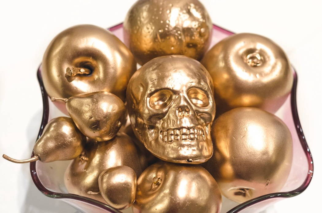 How to easily create golden Halloween decor on a budget
