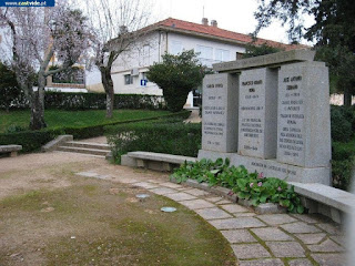 MONUMENTS & STATUES / Jardim Garcia D´Orta, Castelo de Vide, Portugal