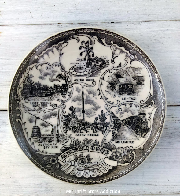 vintage collectible souvenir plate