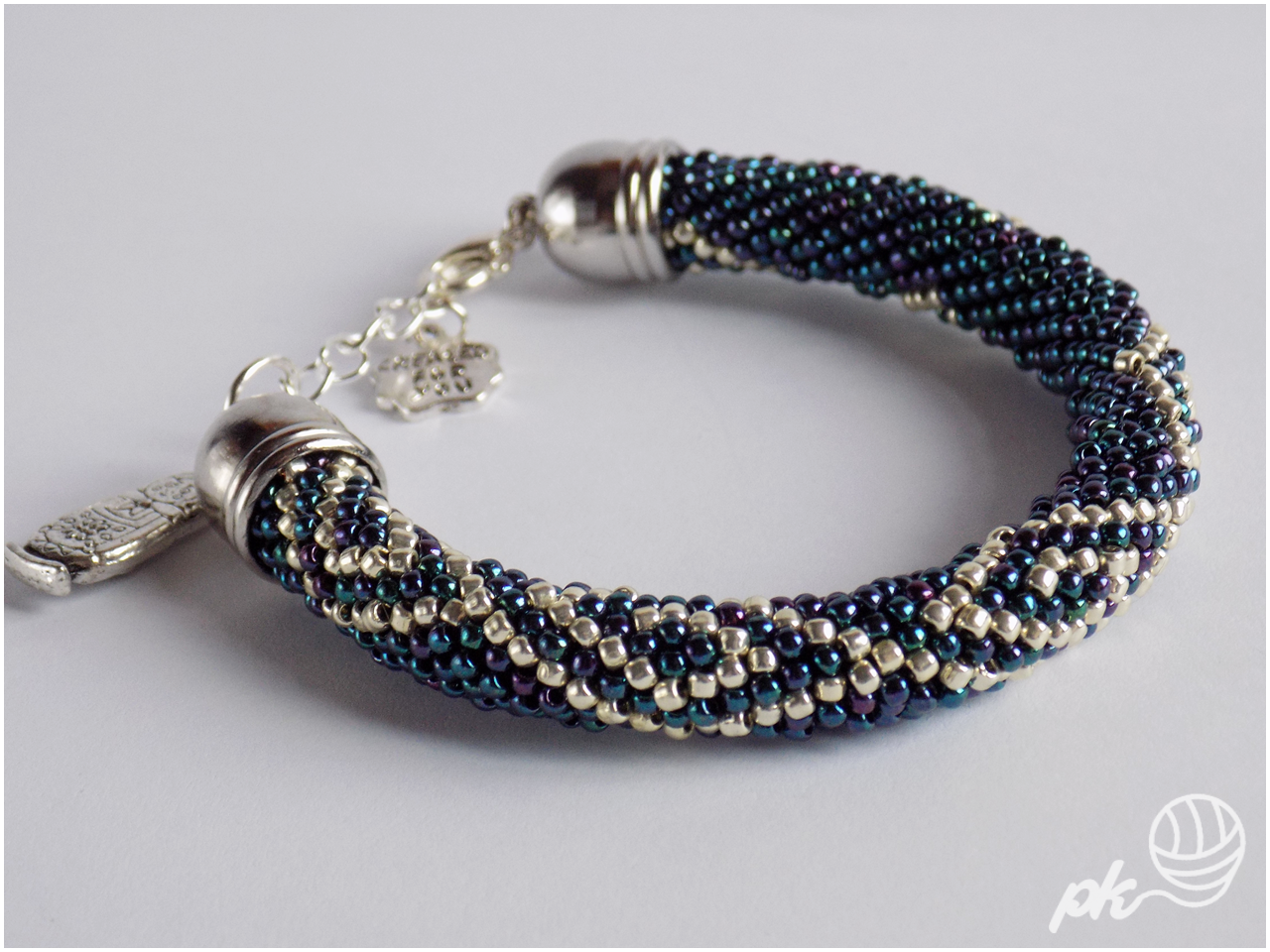 bransoletka, sznur szydełkowo-koralikowy, biżuteria, ukośnik, handmade, rękodzieło