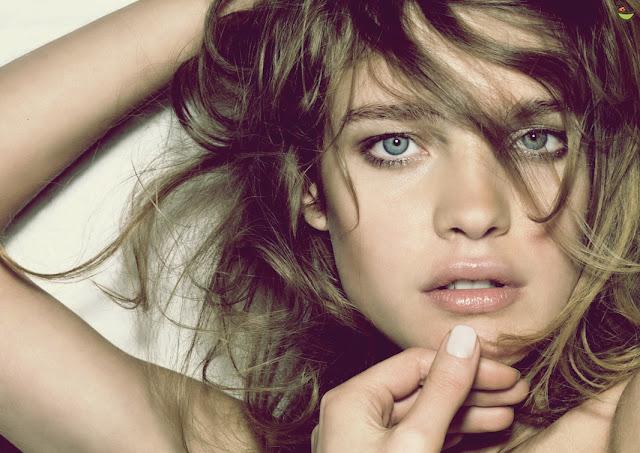 وصفات طبيعية رائعة لعلاج الشعر الخفيف الذي تعاني منه العديد من النساء تحتوي هذا الوصفة على مكونات طبيعية فعالة في تكثيف الشعر وهي بسيطة جدا.