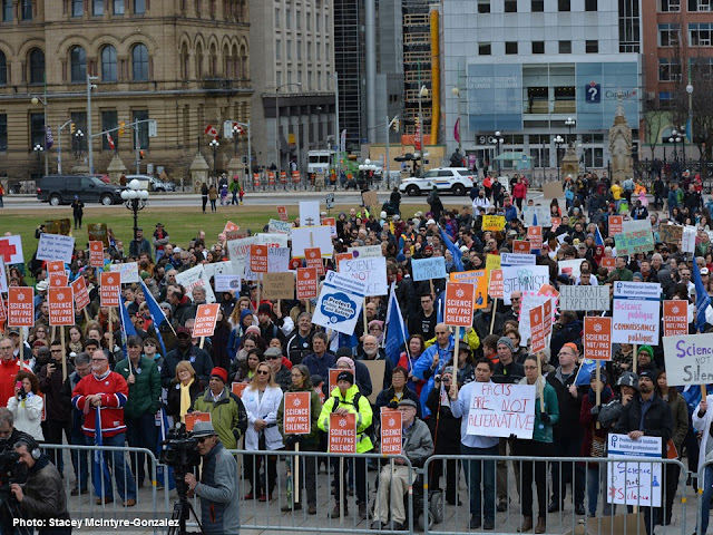 Photos March for Science in Ottawa on Earth Day 2017