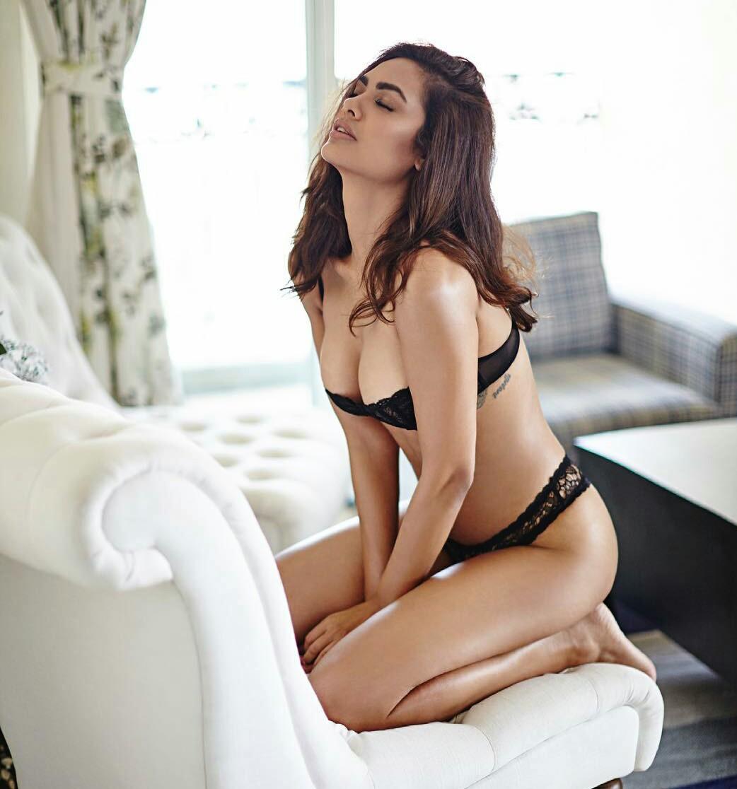 Esha Gupta hot seductive photoshoot