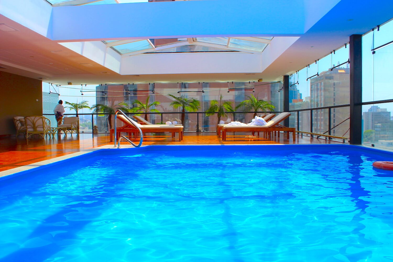 rooftop pool hilton lima peru