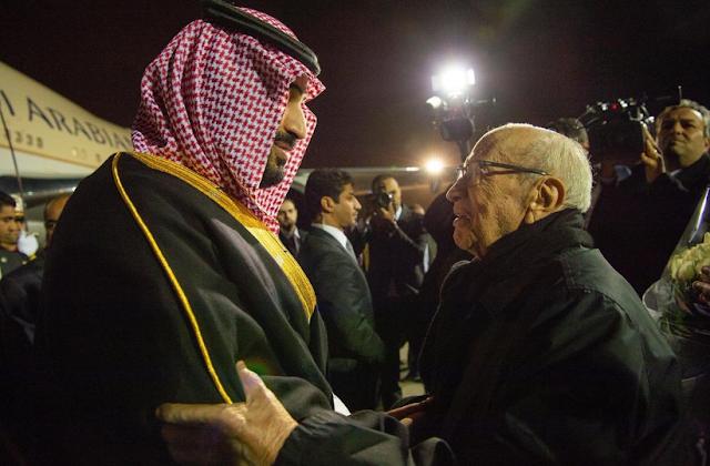 (فيديو) 'بن سلمان' يطلب من 'السبسي' أن يروي له تاريخ أجداده الذي عاصرهم من زمن الحجاز؟