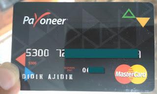 Kartu debit payoneer untuk tarik tunai saldo balance payoneer di atm bank local
