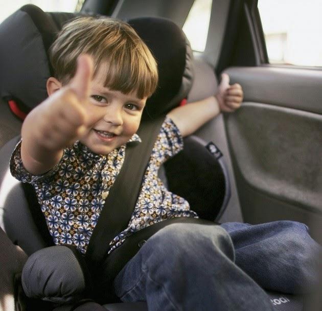 Foto lucu bayi menyetir mobil