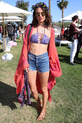 Style, Alessandra Ambrosio Has the Right Formula