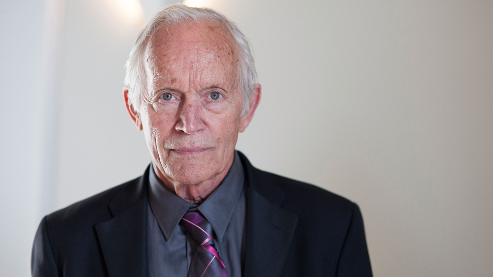 Legends of Tomorrow - Season 2 - Lance Henriksen Cast as Obsidian; DC/CW Character to Explore their Sexuality