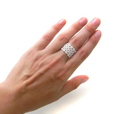 Ажурное кольцо из бисера подарок девушке купить россия крым