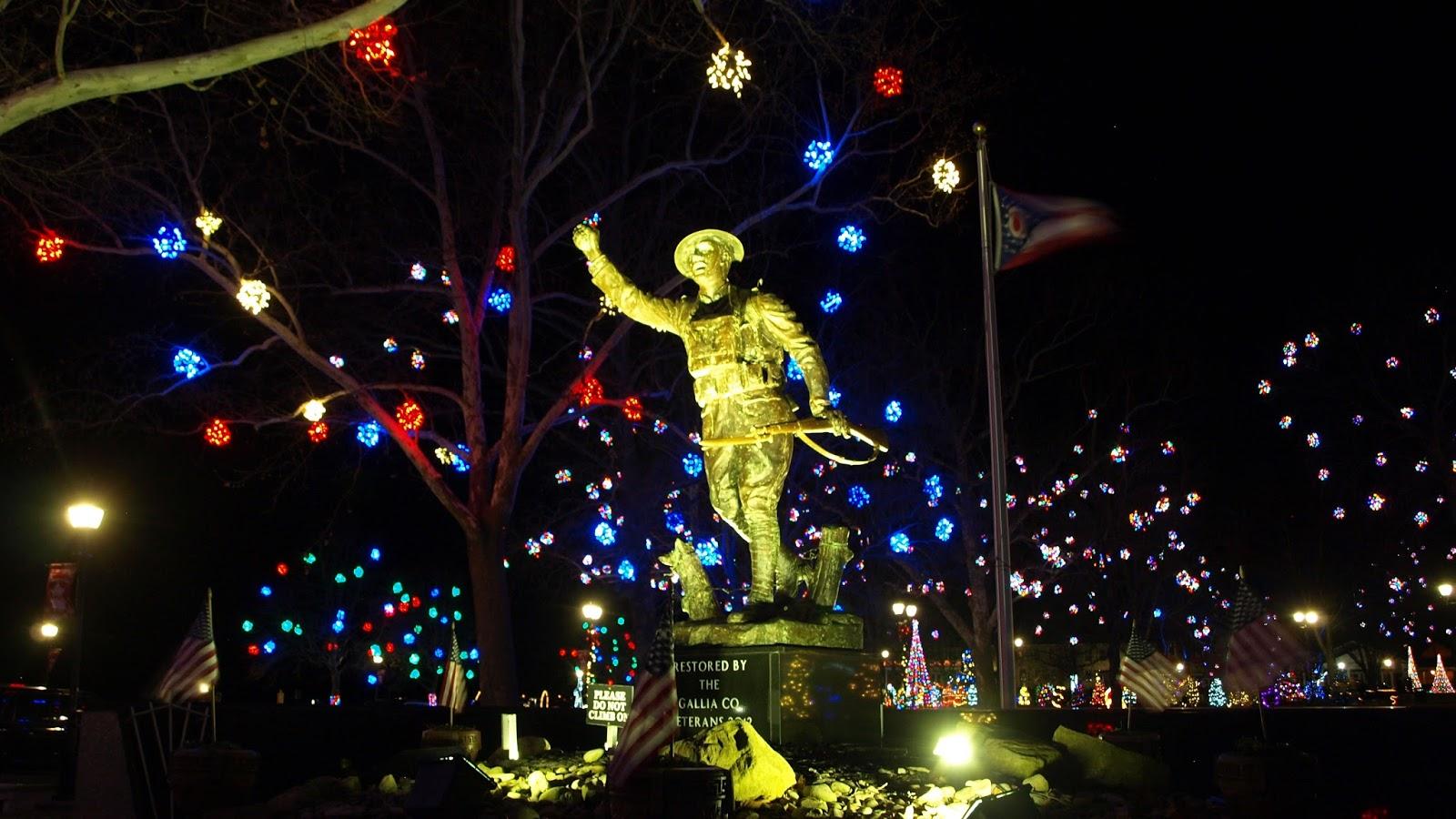 Ohio River Blog: Christmas lights in Gallipolis
