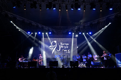 USM Mini Big Band membuka Borneo Jazz Festival
