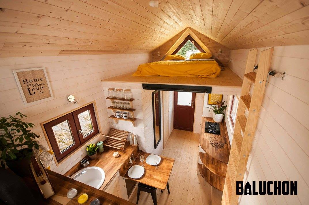 Tiny house town the odyssee from baluchon for House inside images